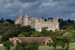 Photograph of Arundel Castle, image links to Arundel Castle website