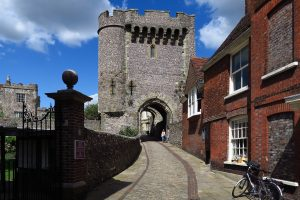 Photograph of Lewes Castle, image links to Sussex Past website
